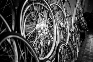 24_life_cycles_a_tokyo_bike_story_featured