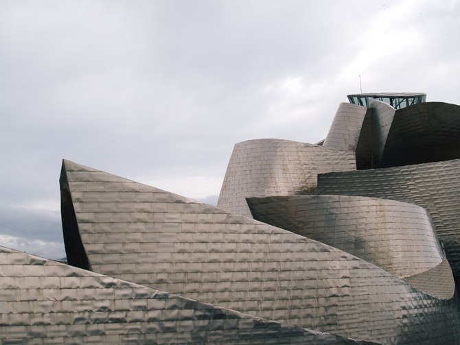 30_31_turning_point_two_guggenheim_museum_bilbao_02