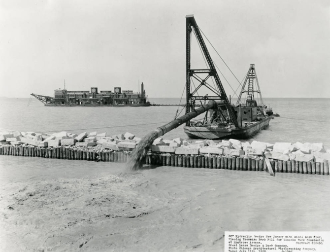 Hydraulic Dredge placing pressure bank fill